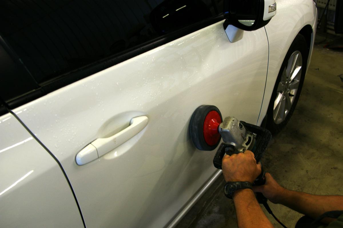 Как удалить царапину на машине своими руками 22